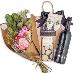 Flower bouquet gift hampers
